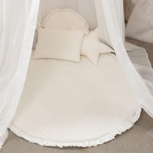 Fehér fodros kör szőnyeg, (babyberry)