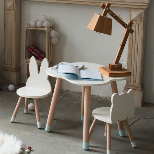Felhős gyerek kis asztal