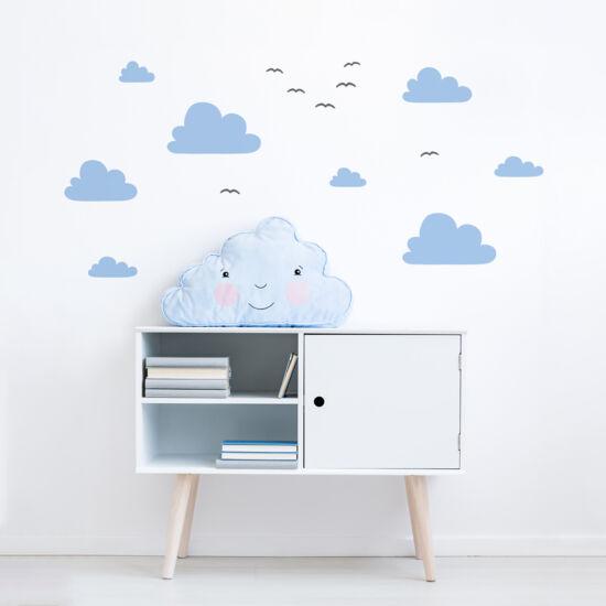 """""""Óriás felhők madarakkal"""" falmatrica - pasztell kék, JUSTa"""