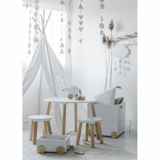 JaBaDaBaDo fehér gyerek asztal és kis székek