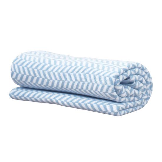 Kék-fehér halszálka mintás kötött pamut babatakaró, Vinter&Bloom